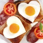 breakfast-heart-eggs